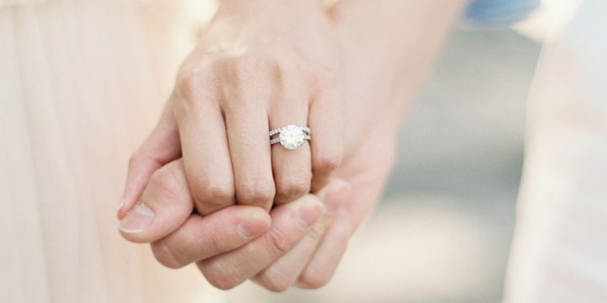 Scegliere Scegliere Di Come L'anello Fidanzamento Come eWD9IYEH2b