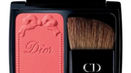 Peach Make-Up