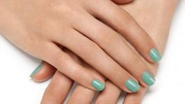 Verde Menta sulle unghie - Tendenze Estate 2014