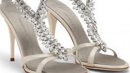 Calzature di lusso per una sposa elegante e femminile? Giuseppe Zanotti fa al caso vostro