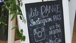 Matrimonio 3.0: il galateo del social wedding tra Hashtag e Selfie