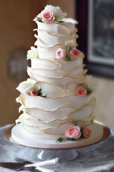 Undressed Wedding Cake
