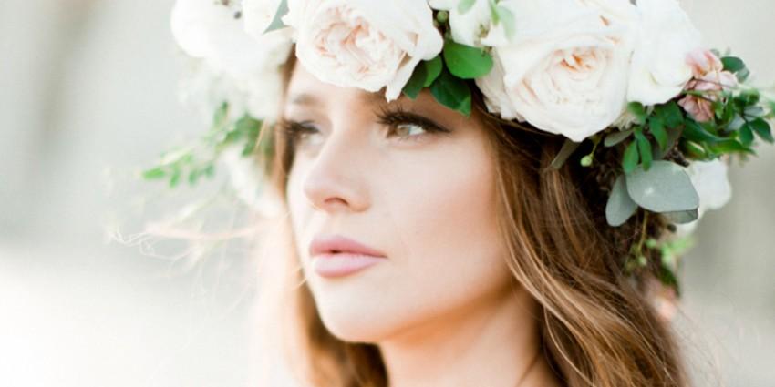 Coroncine di fiori sposa: come scegliere questo accessorio perfetto