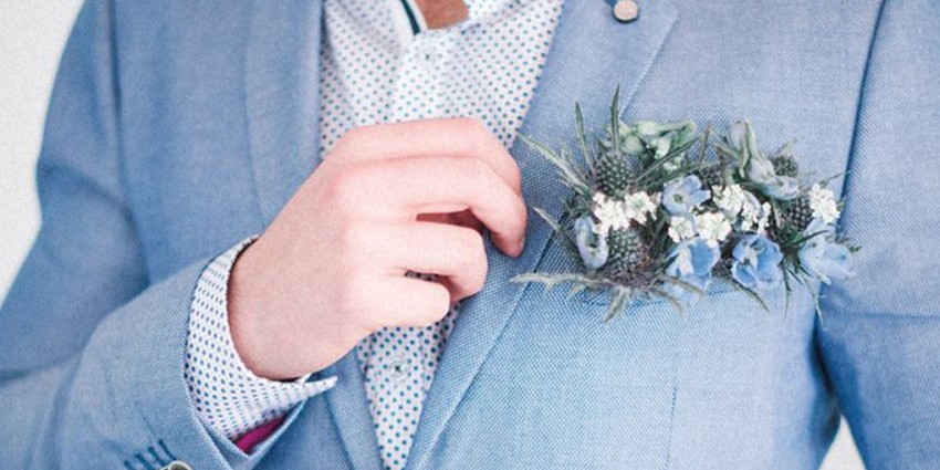 Pocket square boutonniere, la bottoniera sposo si rifà il look