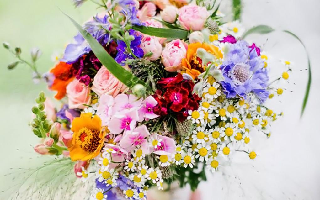 Fiori Per Bouquet Sposa.Bouquet Colorato Il Bouquet Da Sposa Perfetto Per Un Matrimonio