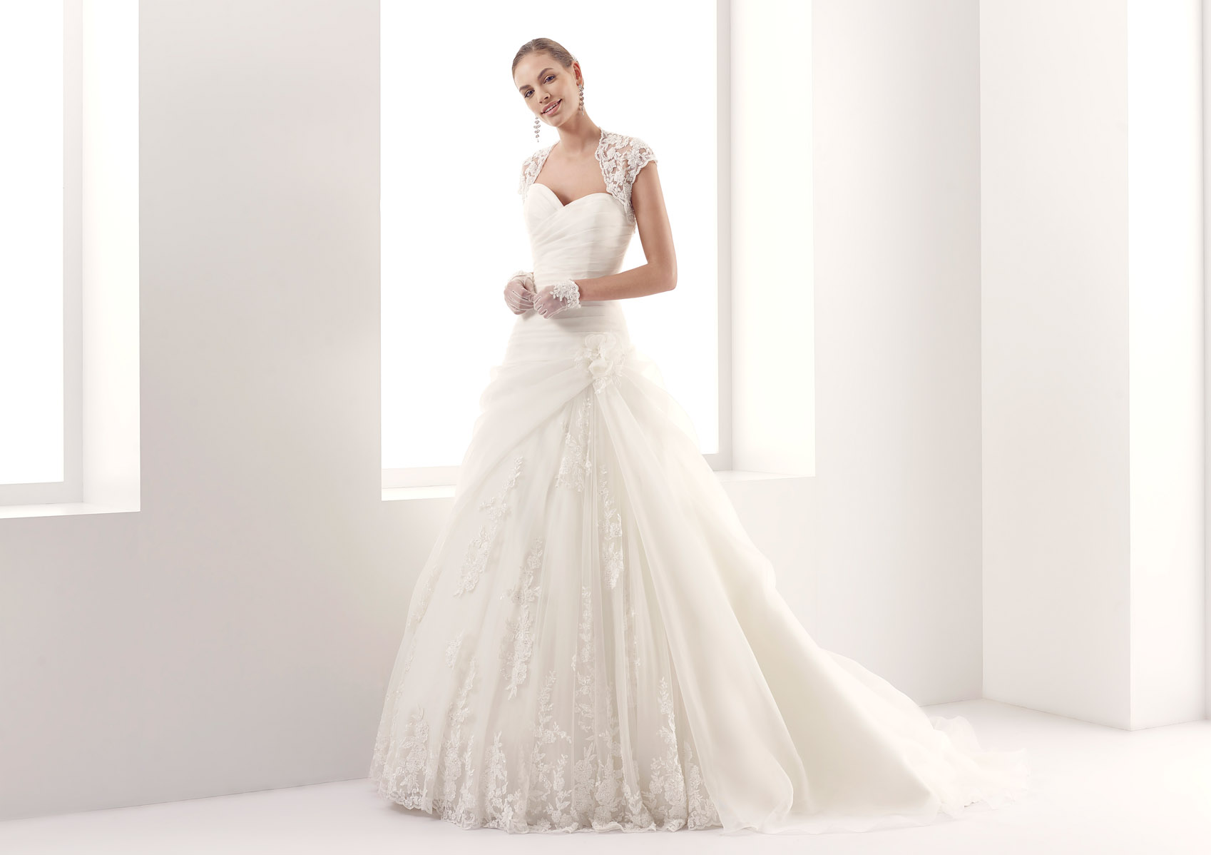 Jolies Bridal Collection 2015 - Nicole Fashion Group 8a1809cd9cd0
