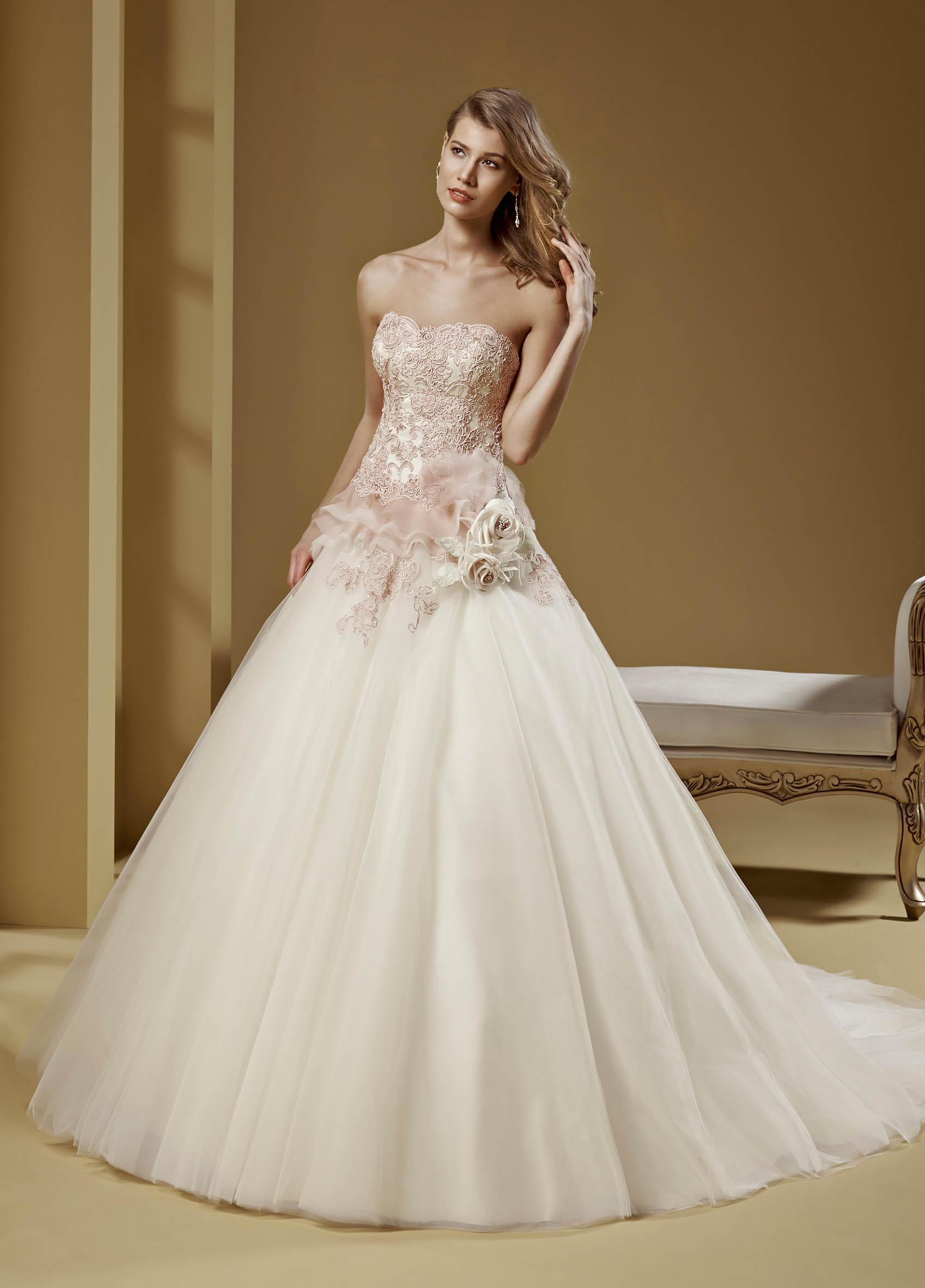 Abiti Da Sposa Boutique 70 Foggia.Romance Bridal Collection 2015 Nicole Fashion Group