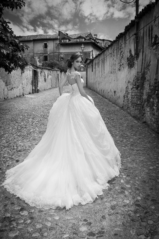 Alessandra Rinaudo Wedding dress
