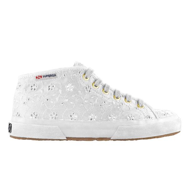 6624f5ebf0 Bridal Sportive Shoes: quando le sneakers diventano scarpe da sposa