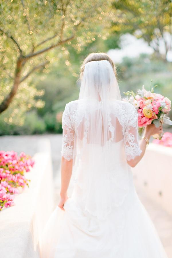 Chi Porta Il Bouquet Alla Sposa.Perche Il Bouquet Della Sposa E Consegnato Dalla Suocera