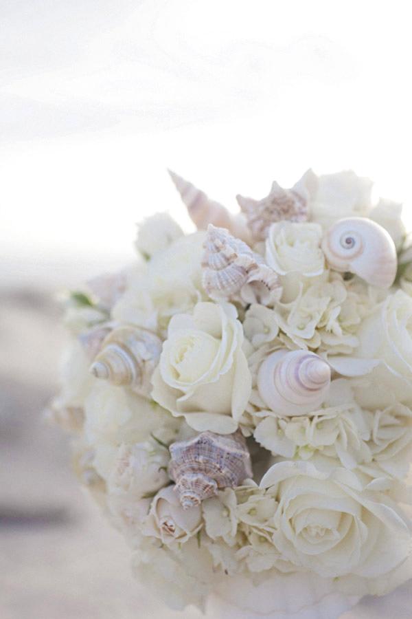 Matrimonio Spiaggia Fai Da Te : Bouquet di conchiglie perfetto per un matrimonio tema mare