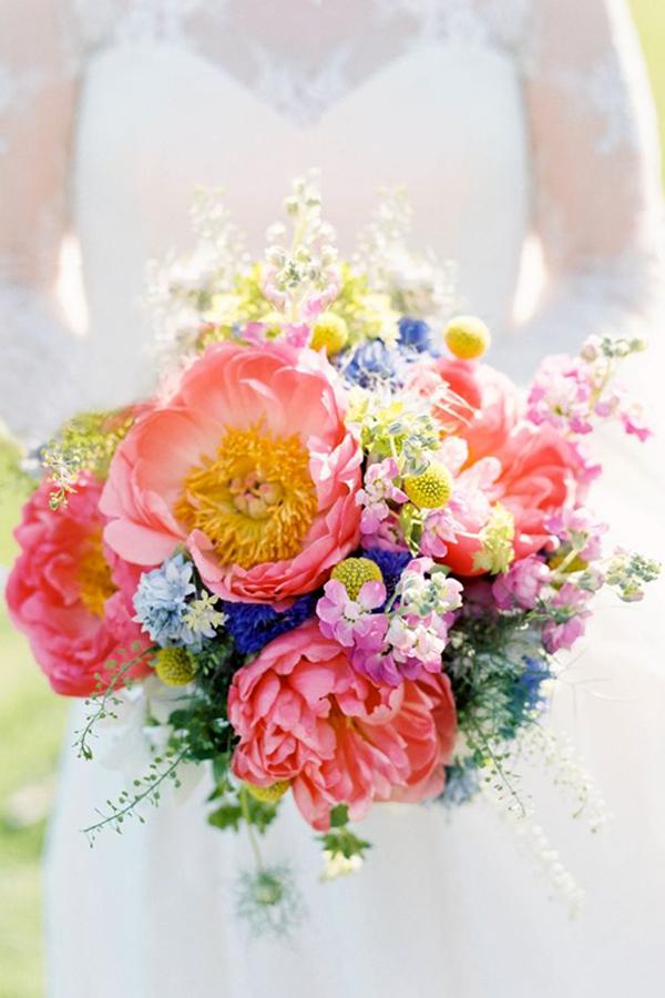 Bouquet colorato  Il bouquet da sposa perfetto per un matrimonio estivo 9f3572ce911