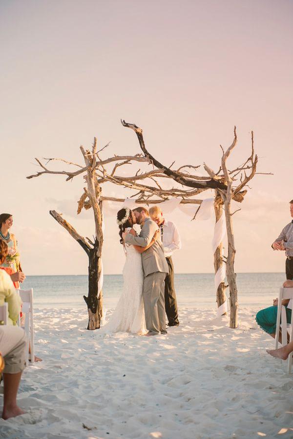 Matrimonio Sulla Spiaggia Economico : Matrimonio in spiaggia come organizzare un